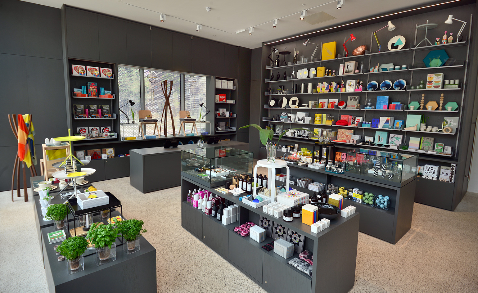 John pawson lays out the design museum shop in kensington for Wallpaper retailers