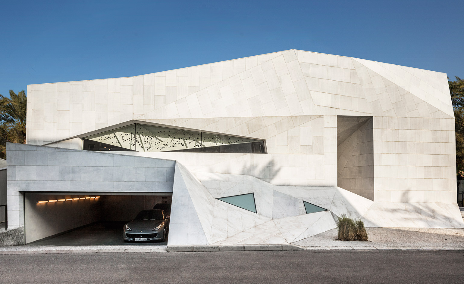 In residence agi architects 39 origami house in kuwait for Architecture origami