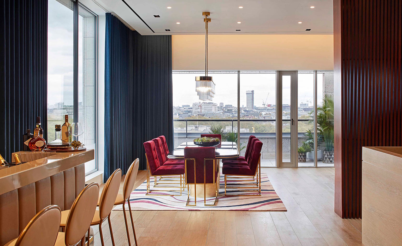 Design By: A New London Penthouse Boasts Buckingham Palace Views