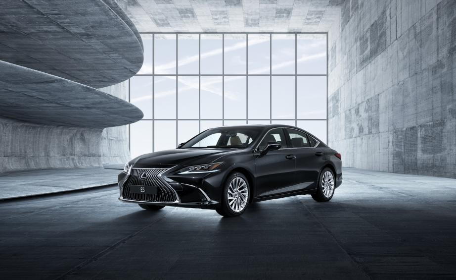lexus es 2019 saloon review and test drive