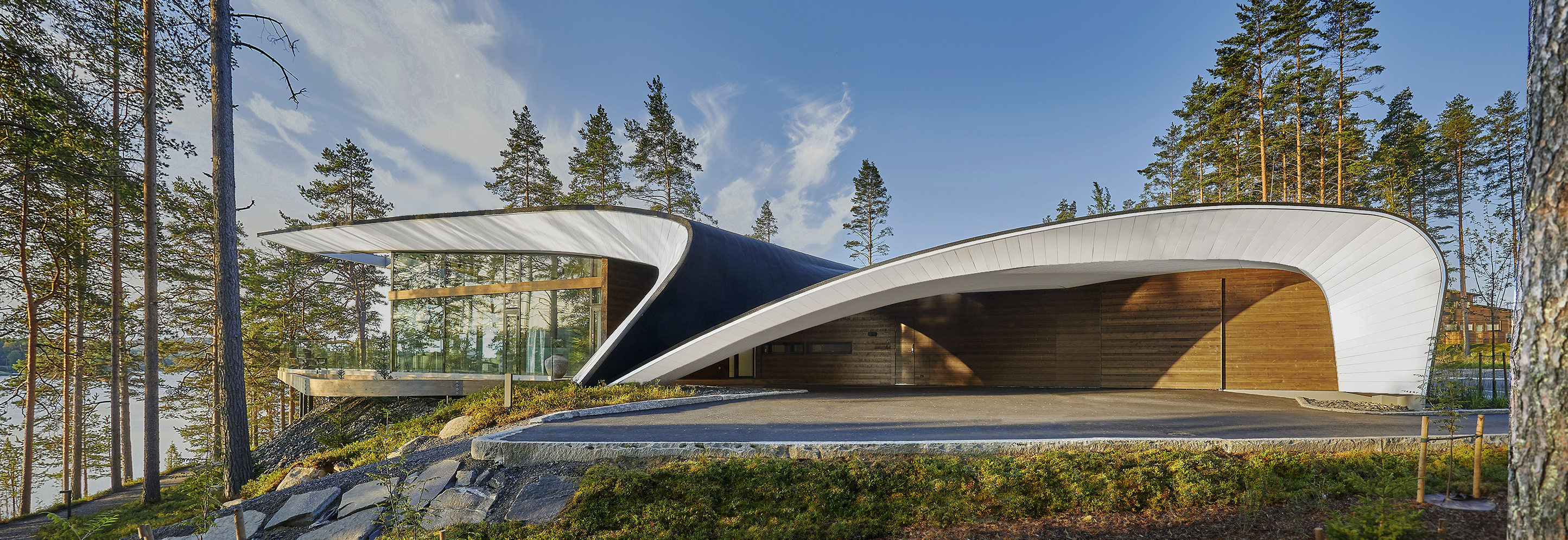 We Tour The Striking Wave House By Seppo M 228 Ntyl 228 Wallpaper