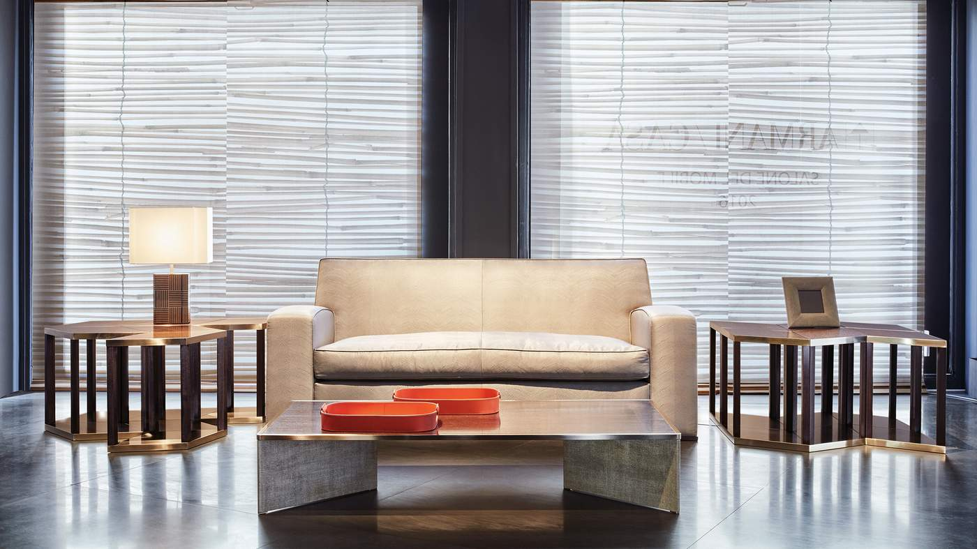 Armani casa wallpaper for Casa del design milano