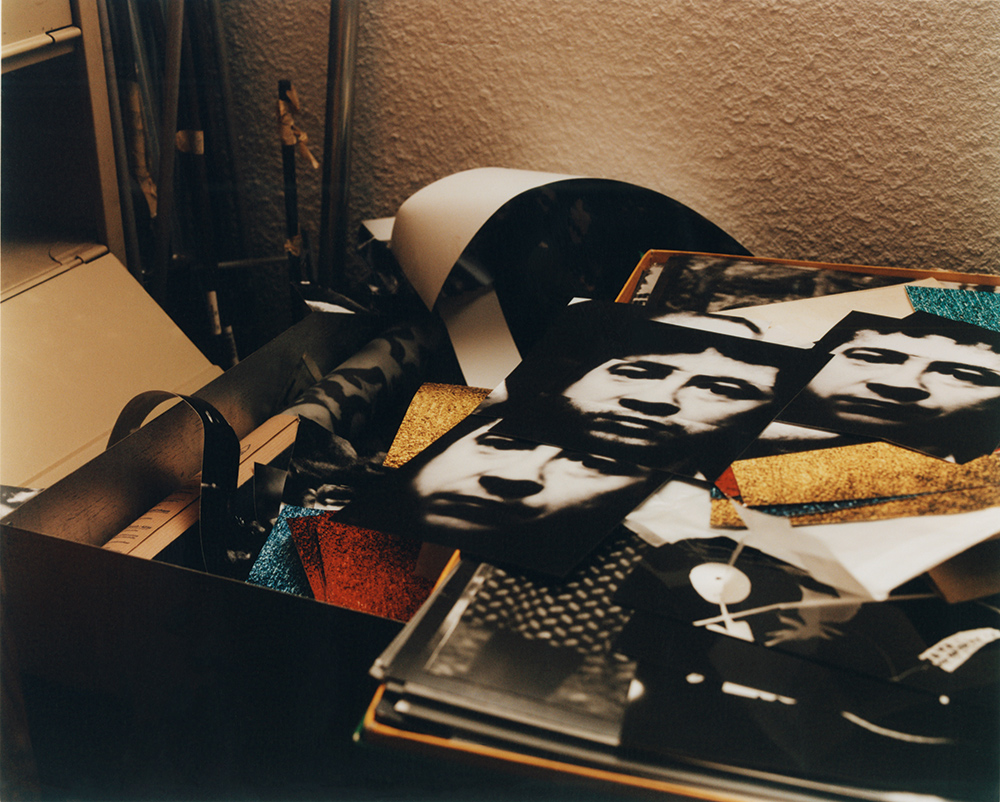 Photographic portraits of Boltanski, which he often uses in his works, such as Etre à Nouveau and Entre-Temps