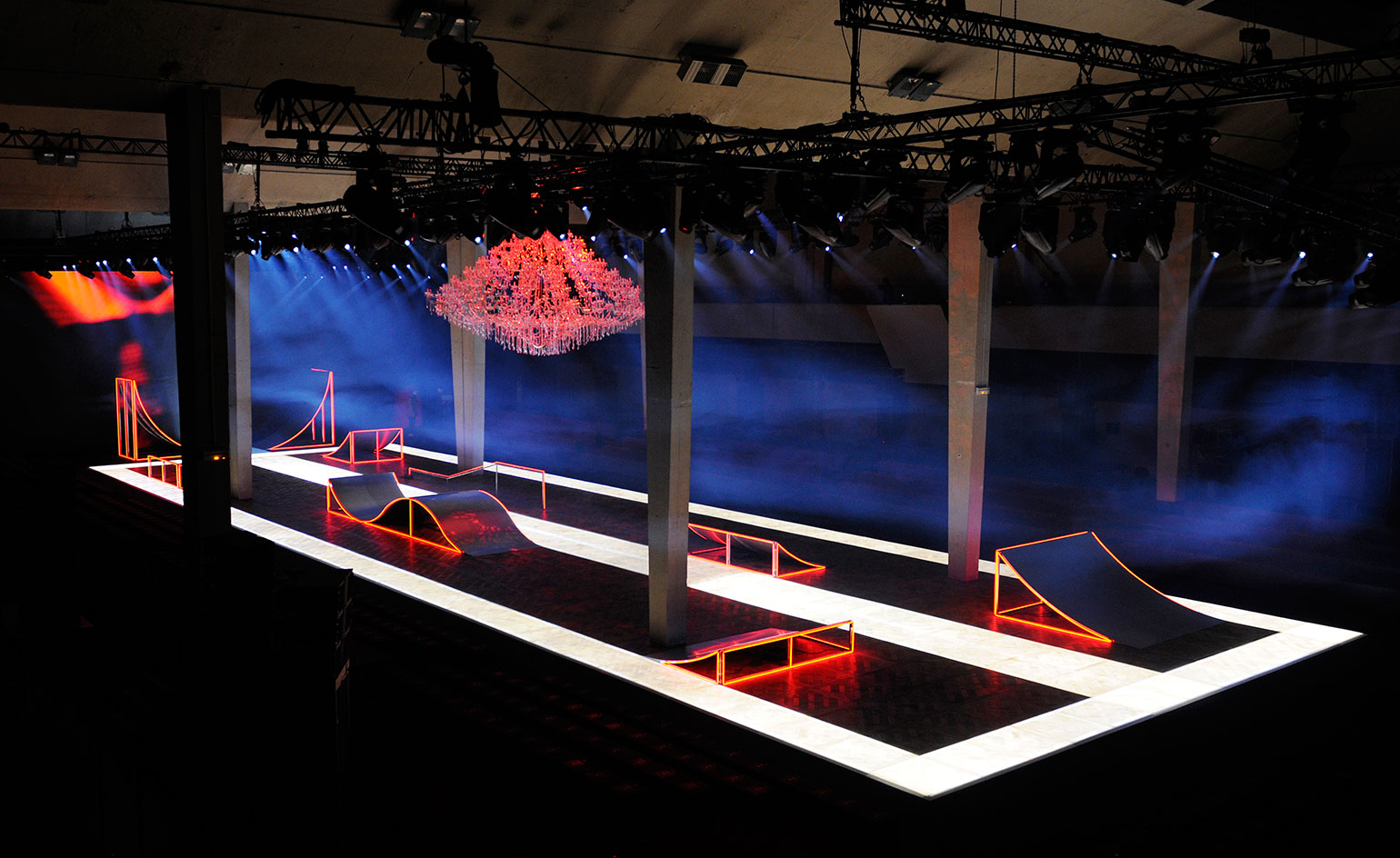 Super high-cut bikinis take centre stage at Fashion Week Stage designs for fashion shows