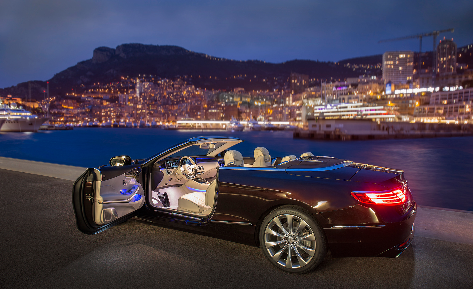 Mercedes benz present the s class cabriolet wallpaper for Drop top mercedes benz prices