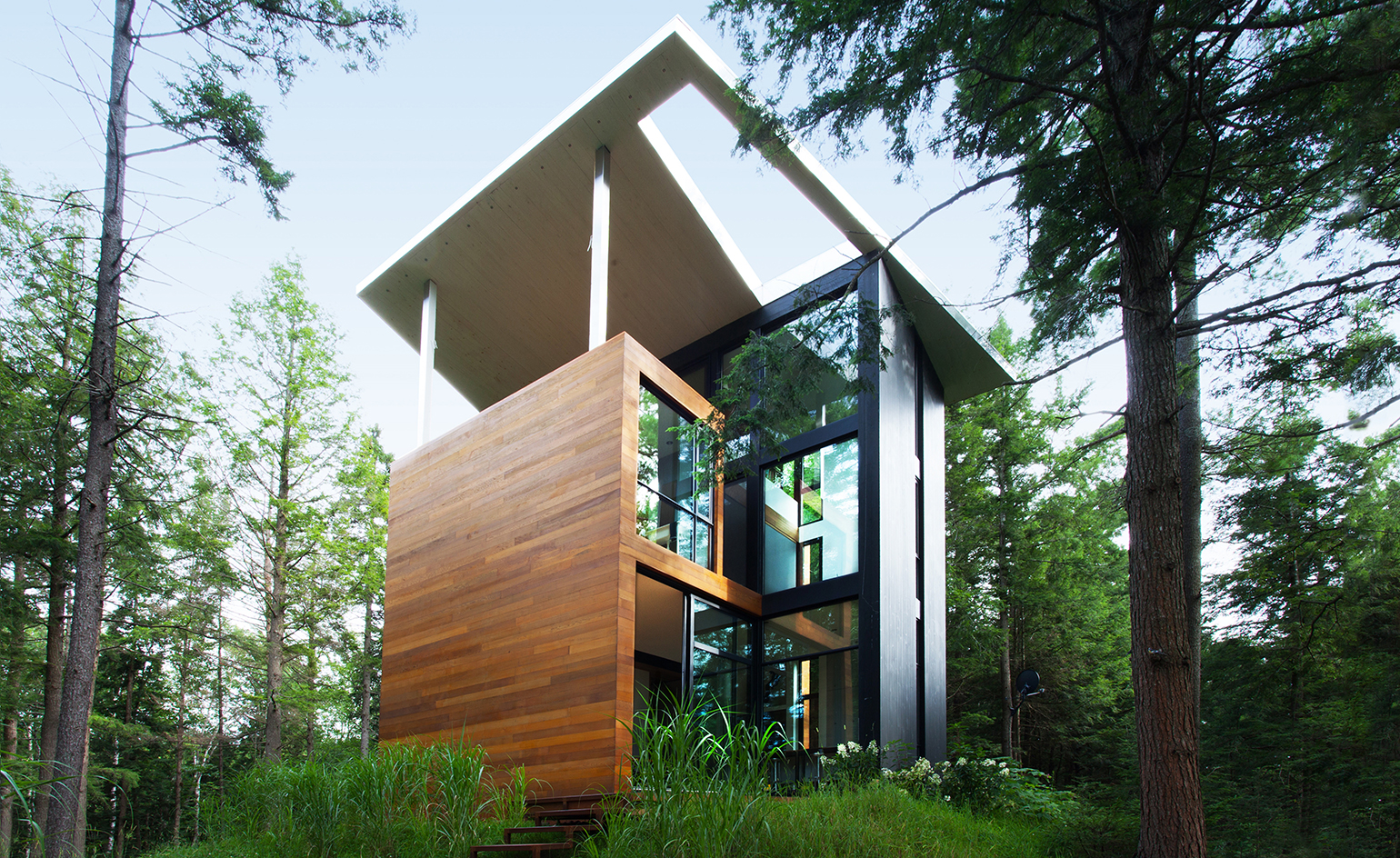 Yh2 create house for sculptor jacek jarnuszkiewicz for Home architecture firms