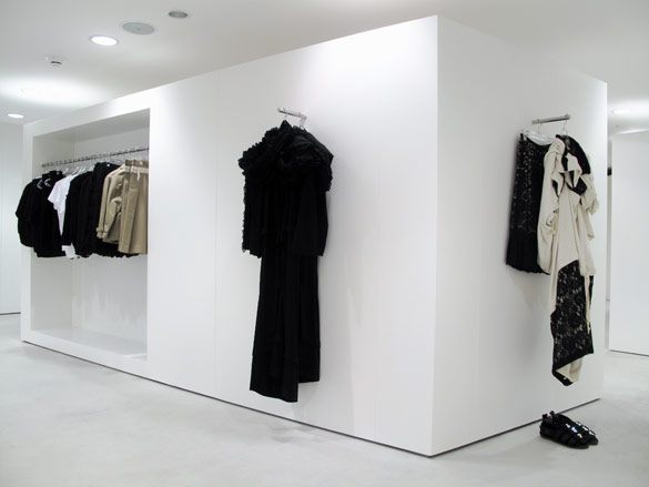 Comme Des Gar 231 Ons New Flagship Store In Seoul Wallpaper