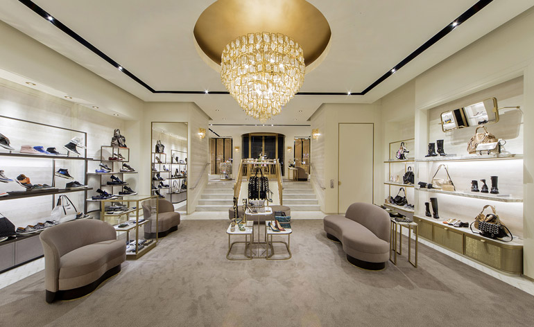 Retail Fashion Outlet Beverly Hills