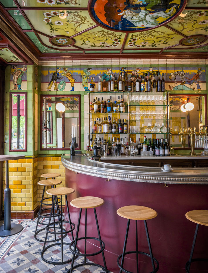 The clown bar eme paris france jim drohman