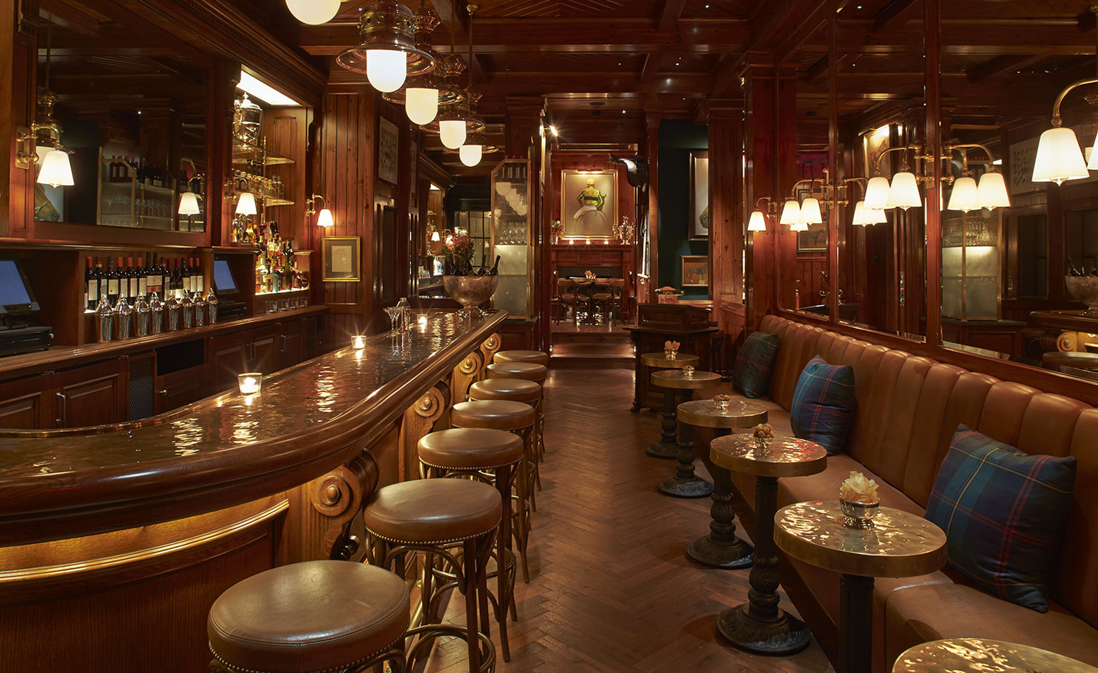 The polo bar restaurant review new york usa wallpaper for Lounge wallpaper