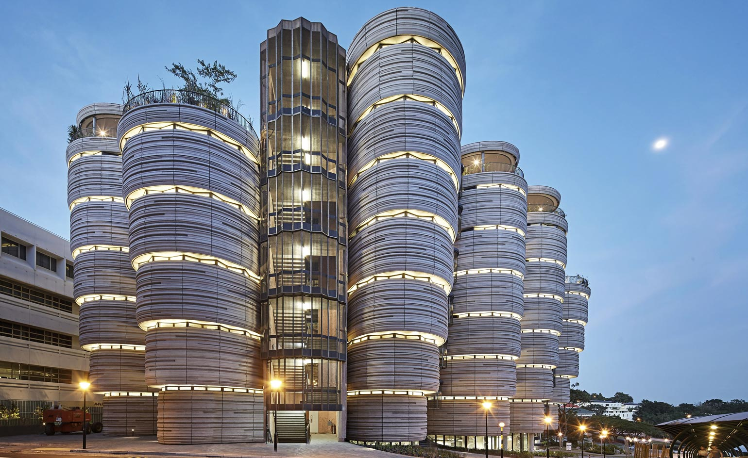 Thomas heatherwick goes back to school at the learning hub for Product design singapore