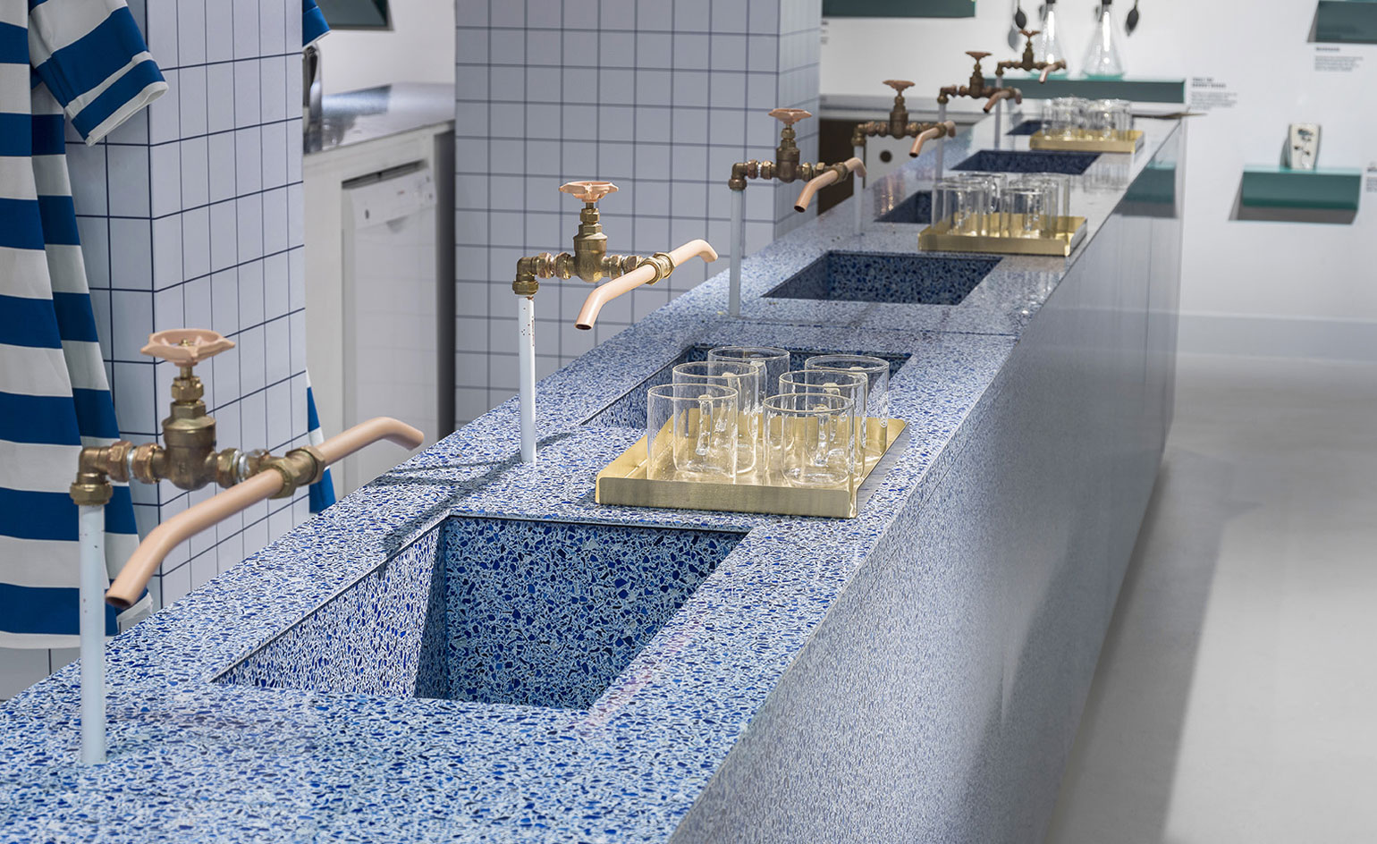 Plastic People Selfridges Opens Pop Up Water Bar Wallpaper