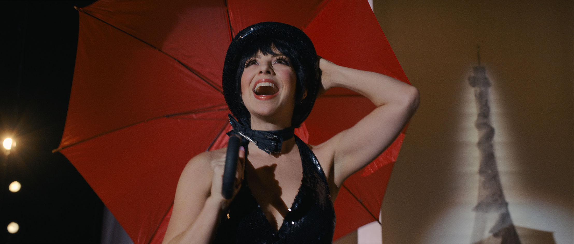 Netflix's Halston production still of Liza Minnelli at the Palace of Versailles fashion show
