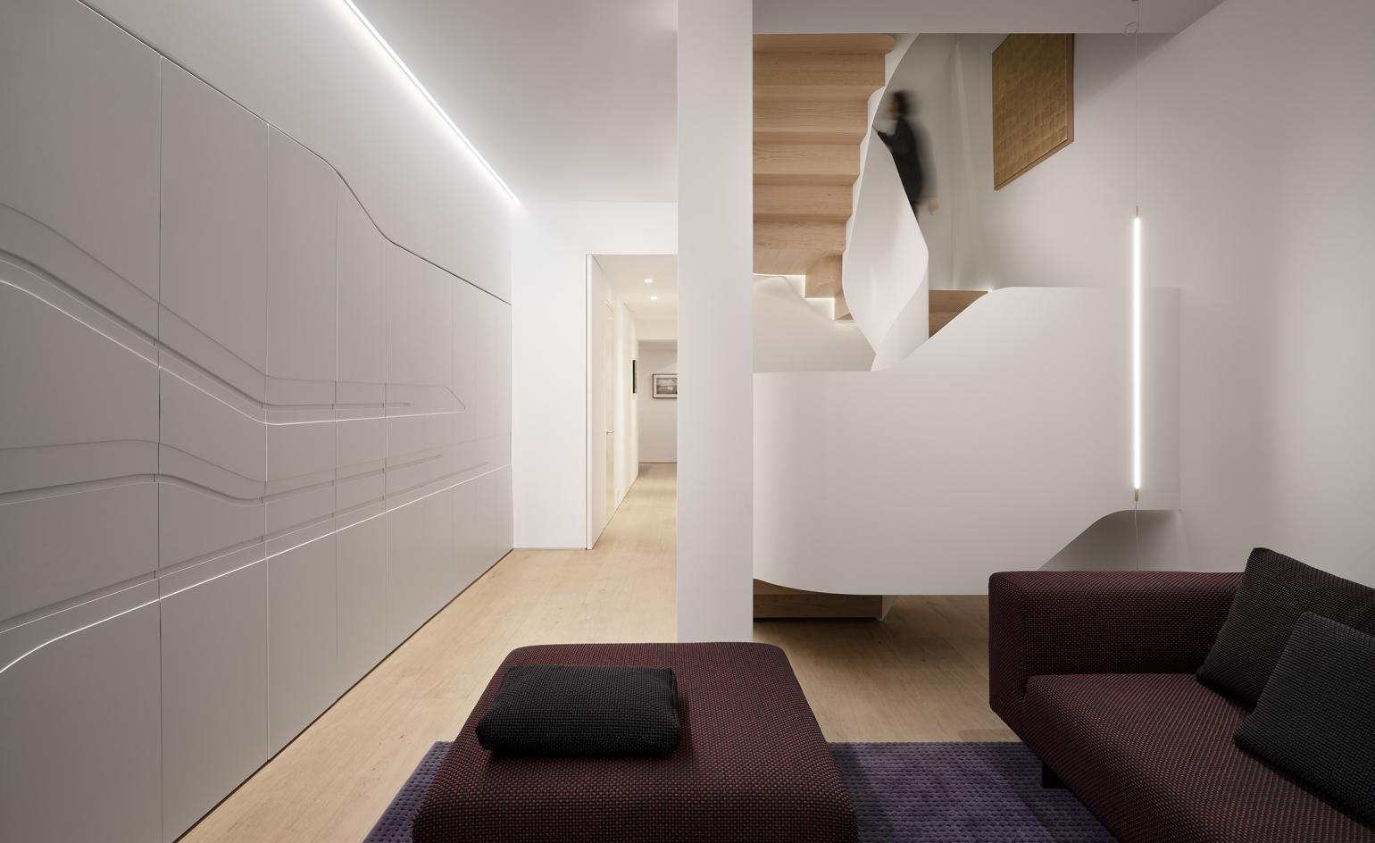 Light cascades through this London redesign by Flow Architecture with Magrits