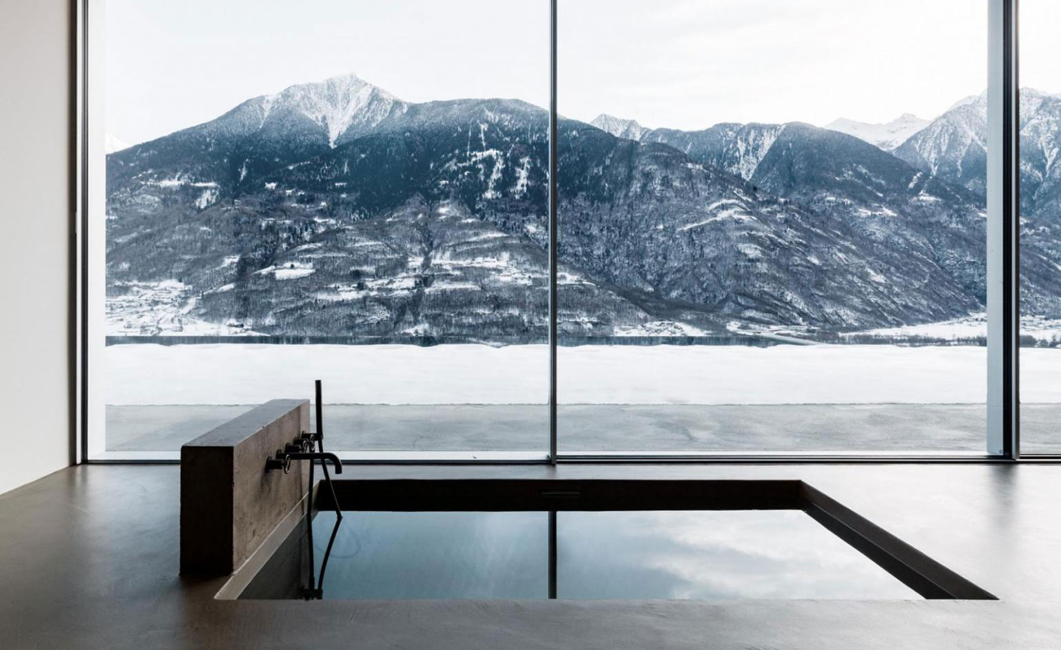 Italian architect Alfredo Vanotti designs house in the Alps as an 'inhabited terrace'