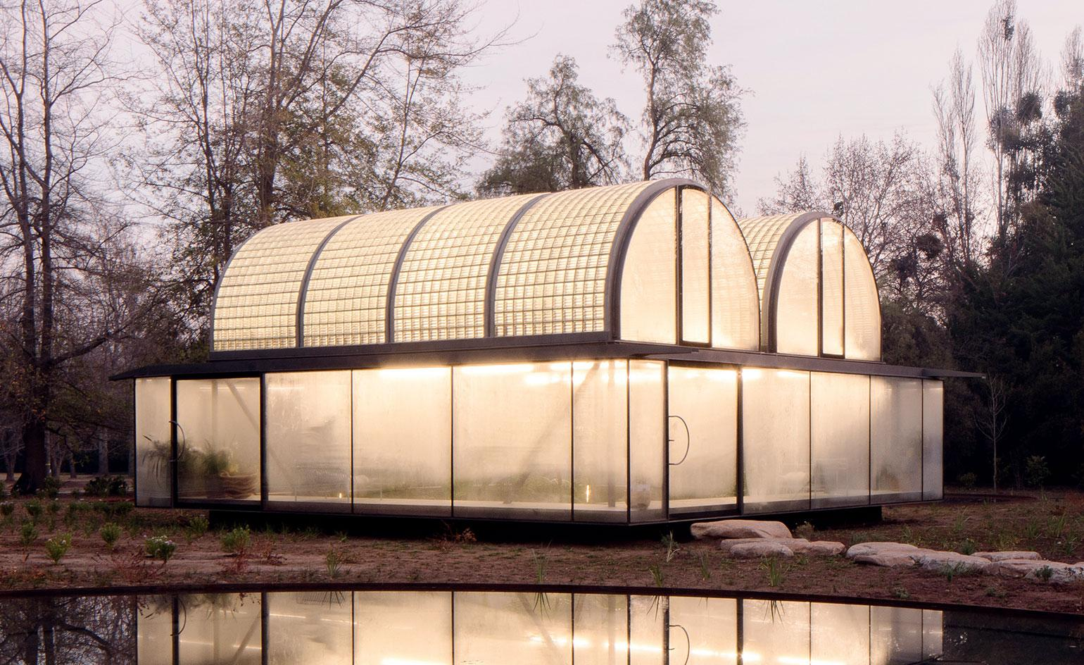 Max Núñez' greenhouse in Chile gives the impression of a floating glass box