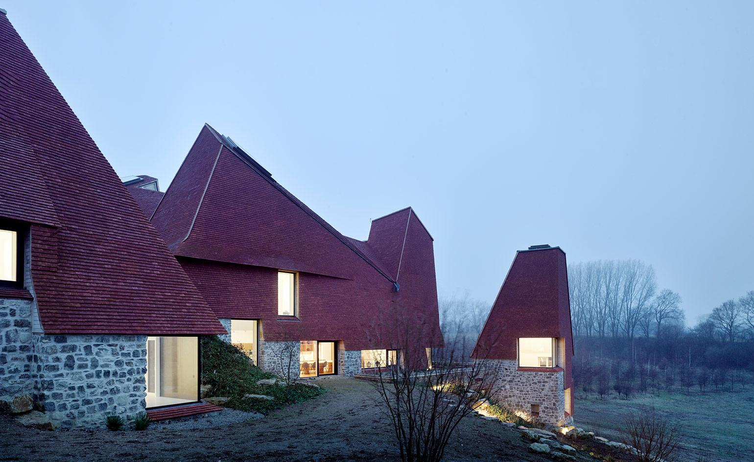 A new take on the English country house is awarded the RIBA House of the Year