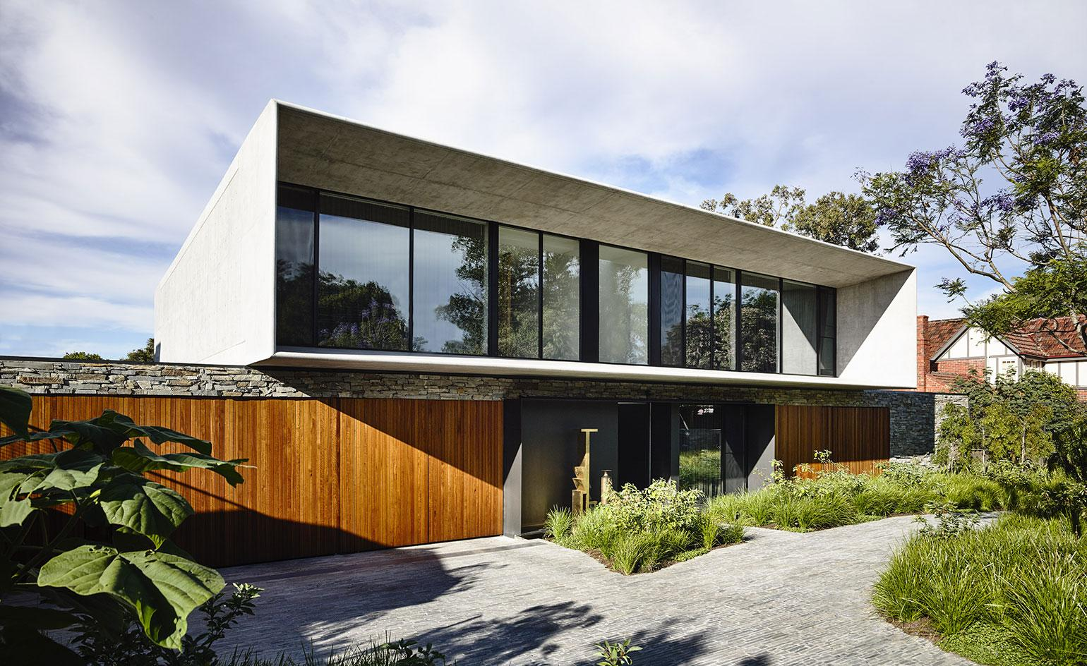 Concrete synergy: a modern house where Brazil meets Australia