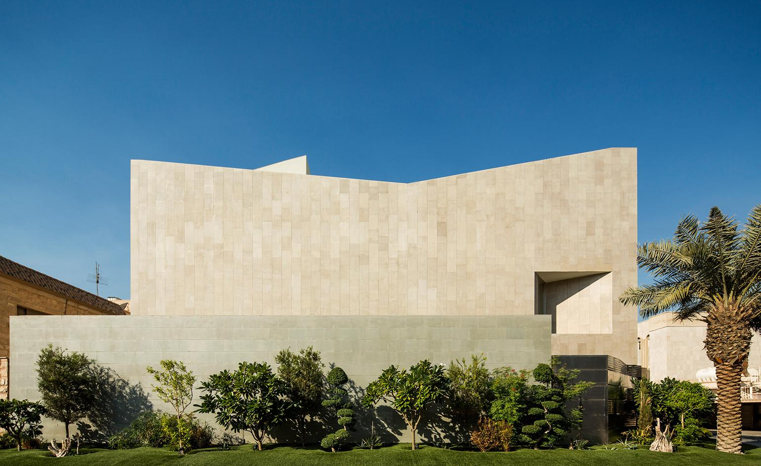 Great wall: AGi architects' Kuwaiti house offers more than meets the eye