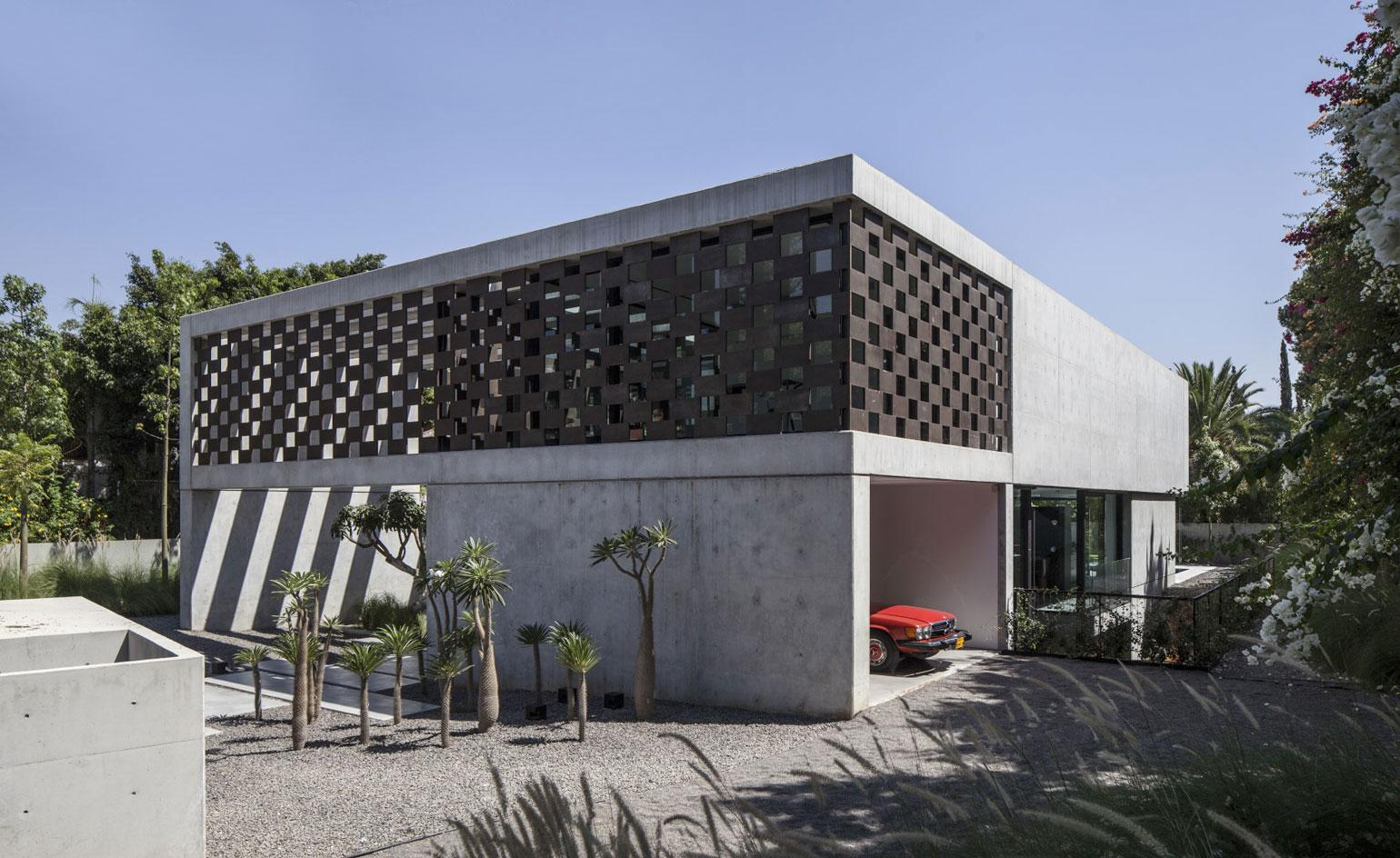 Shadow play: Pitsou Kedem Architects cast an Israeli residence in a new light