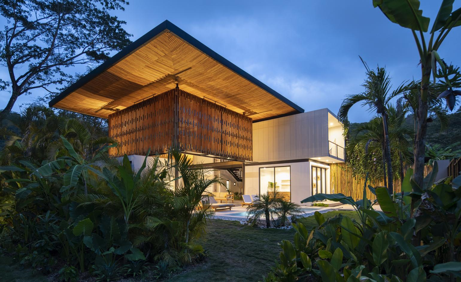 Explore this sustainable Costa Rican retreat by Studio Saxe