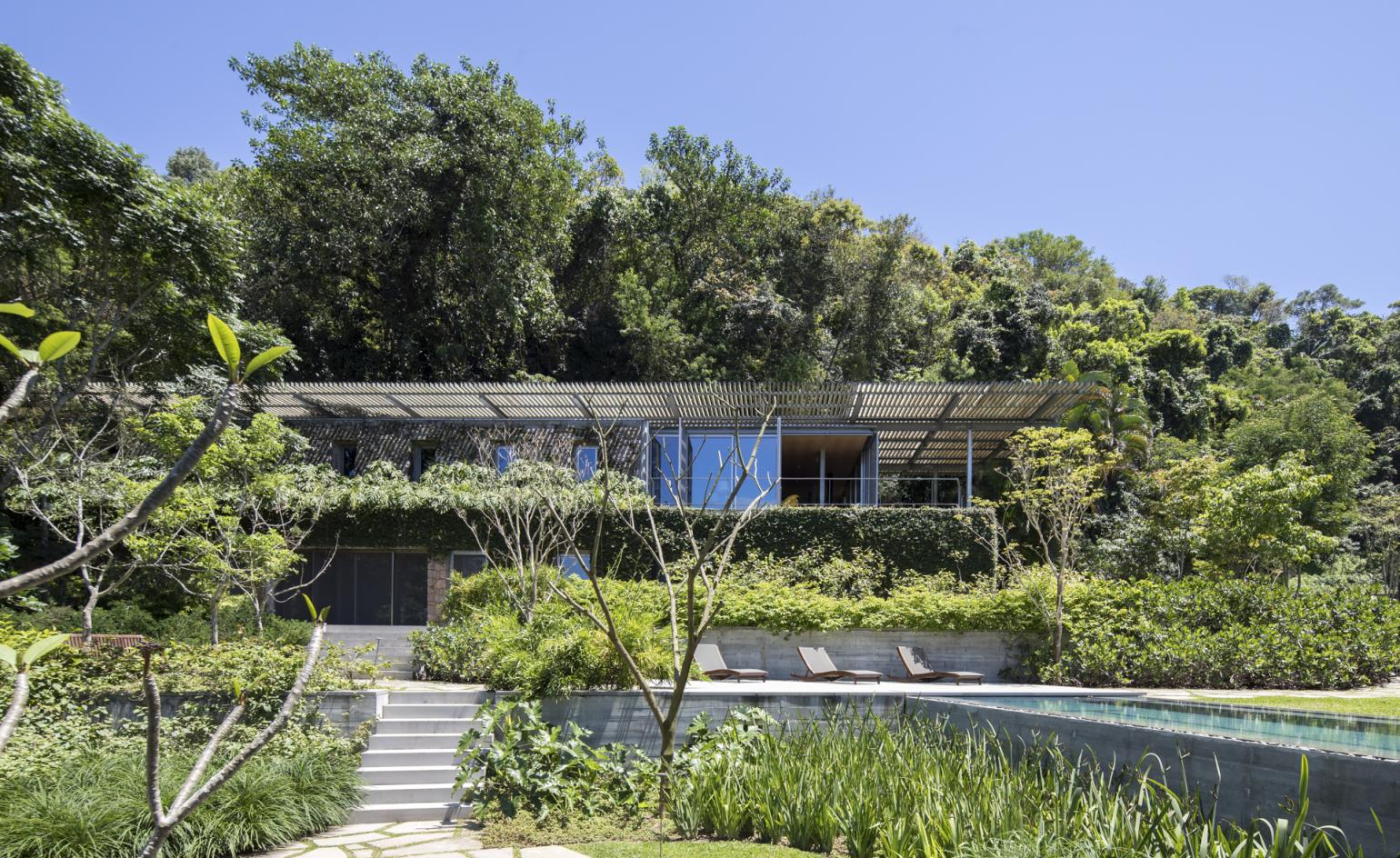 A Rio family home by Andade Morettin is the ultimate urban retreat