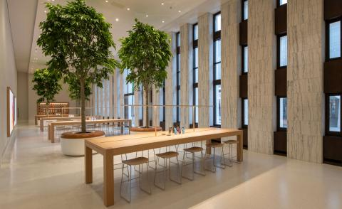 Foster + Partners folds Apple store into historic Washington library