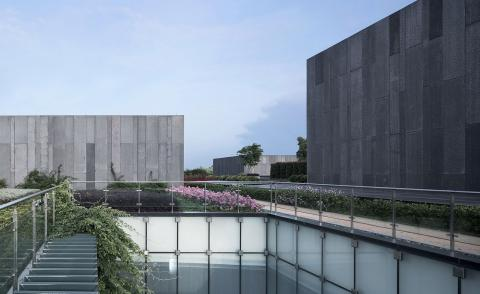 Sprawling cultural complex in Suzhou dissolves into the landscape