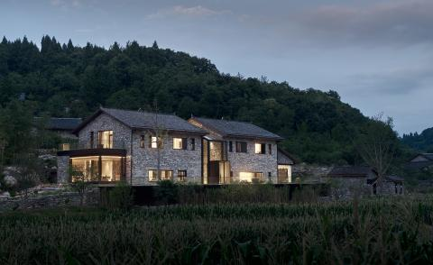 Ramshackle farmhouse in China's Hubei province gets a slick makeover