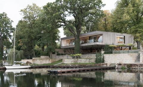 Carlos Zwick's House on the Lake rises up above its historic waterside site