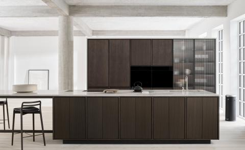 Vipp Kitchen island V2 in stone and oak