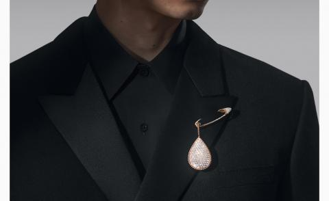 Brooches for grooms bring elegance to a wedding day suit
