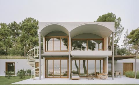 front facade of the st minas house by Neiheiser Argyros in Greece