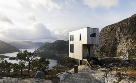 Contemporary cabins for modern minimalists