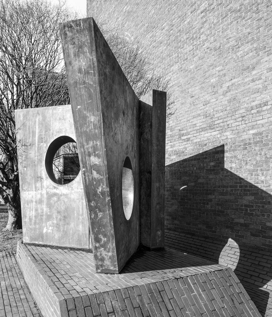 Three Obliques (Walk-In), 1968, by Barbara Hepworth, photographed by Simon Phipps