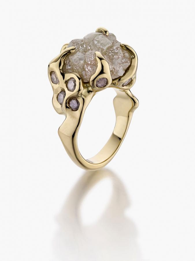 Olivia Creber ring in 18ct gold and raw diamond and smaller diamonds