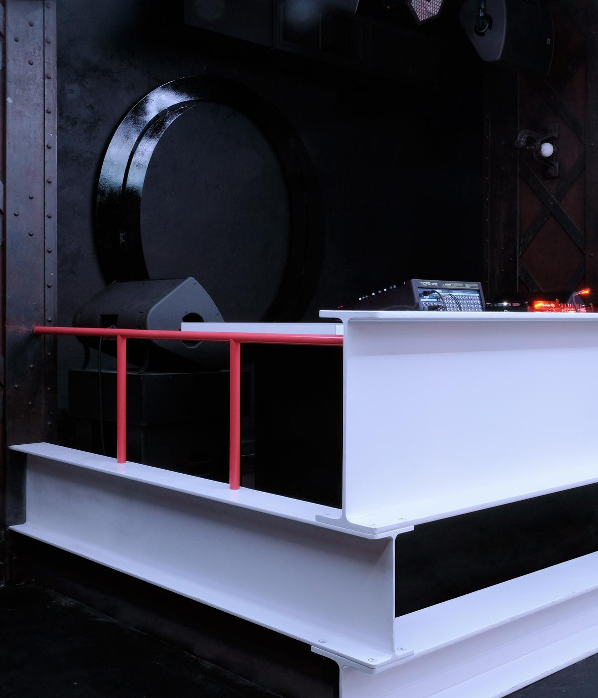 New DJ booth design, in Badaboum nighclub, Paris
