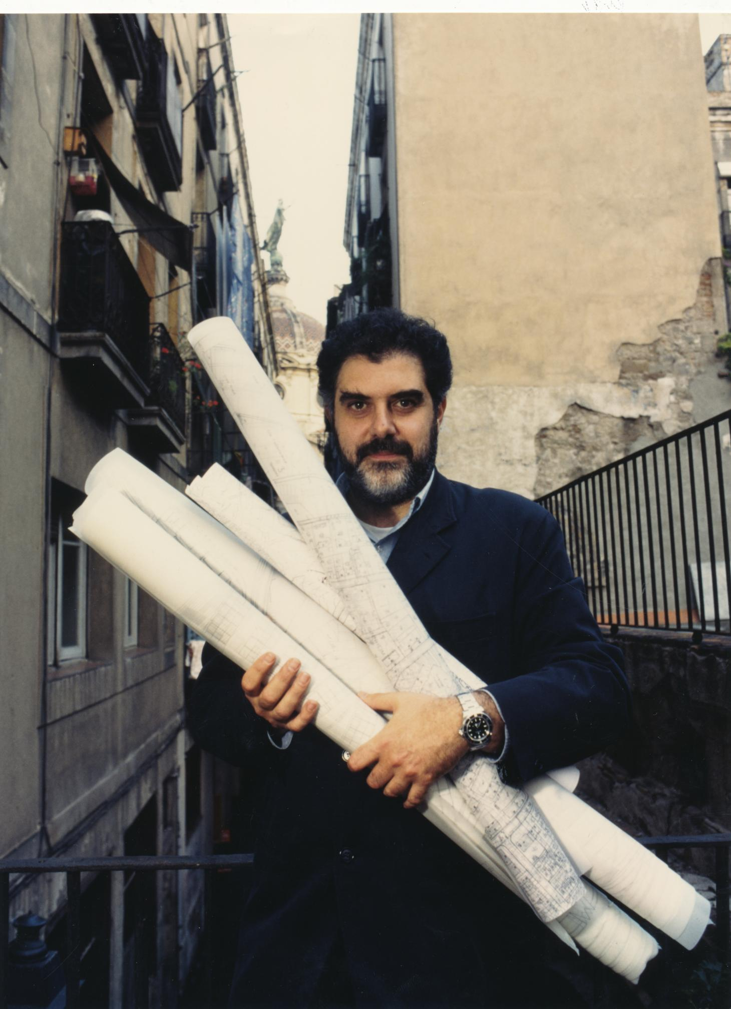 A portrait of the late architect Enric Miralles