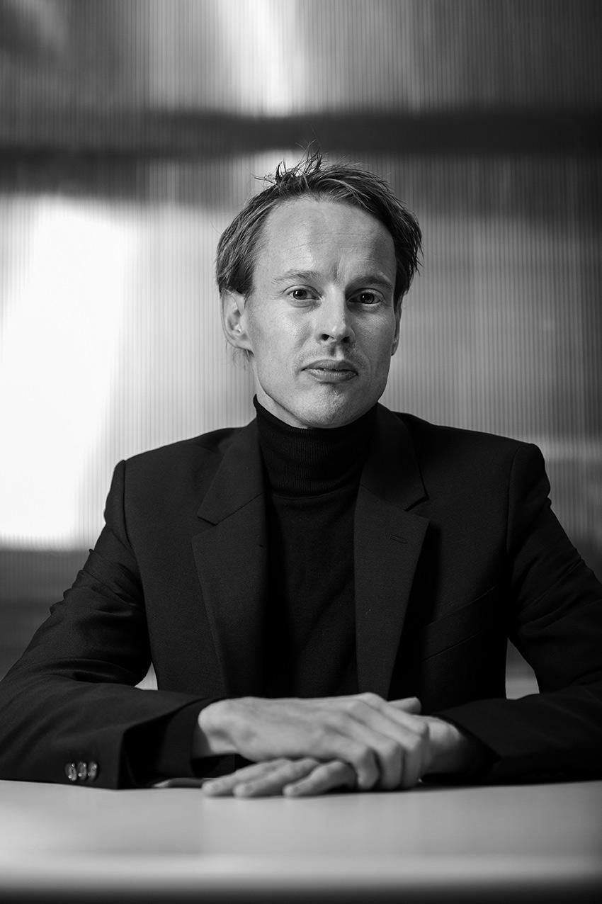 A portrait of Daan Roosegaarde