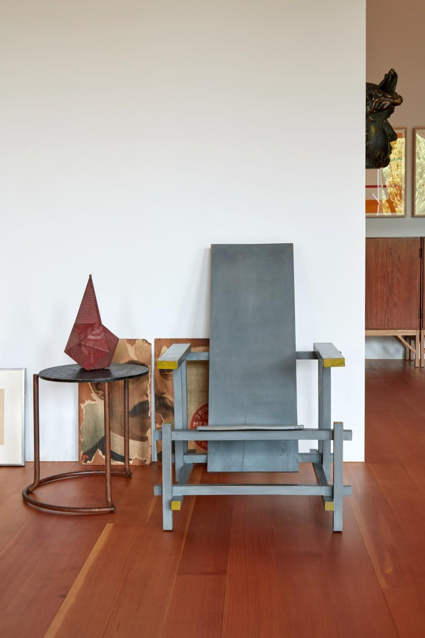 Gerrit Rietveld wooden chair in blue and yellow