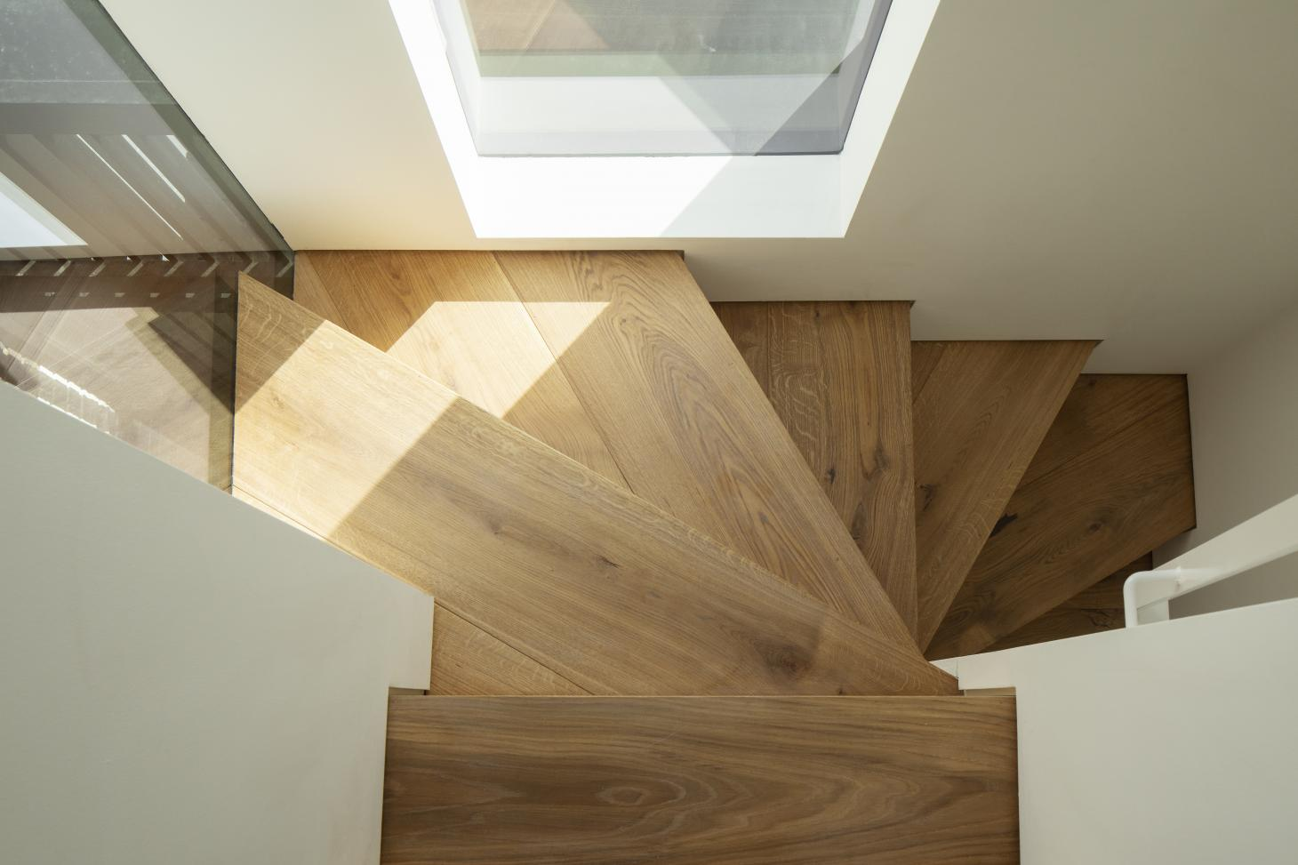 minimalist Staircase at new London mews new apartment
