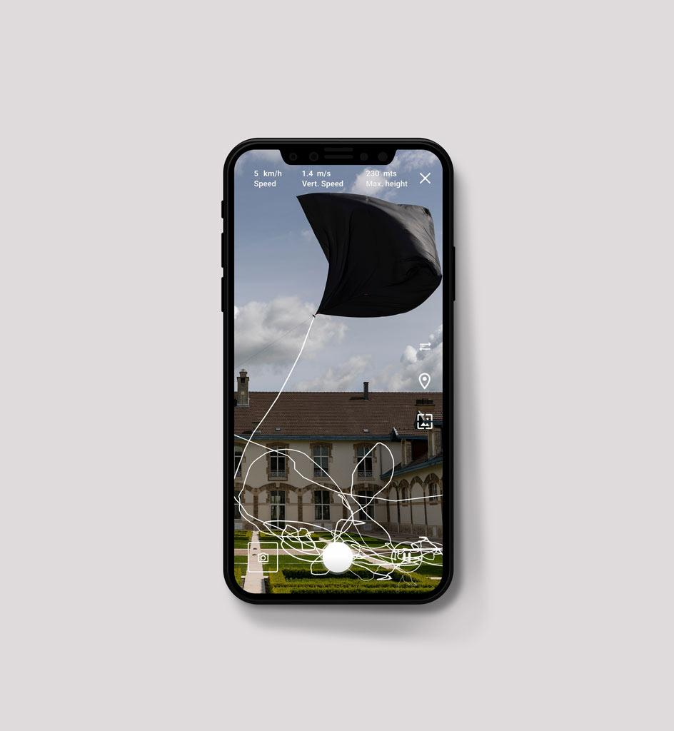 Tomás Saraceno, towards an Aerocene era,Making of Movement,20.05.2021 Reims, France.Augmented reality Aeroglyphic sculpture formed by a site-specific trajectory made with the AeroceneBackpack, sensed through the Aerocene App.A Movement to free the ai