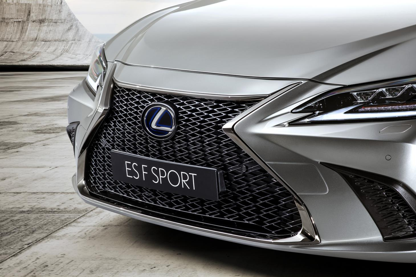 Lexus Es 2019 Saloon Review And Test Drive Wallpaper
