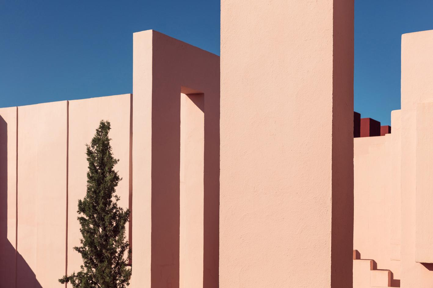 Sebastian Weiss' photo series on Ricardo Bofill's 'La Muralla Roja' in Calp, Spain