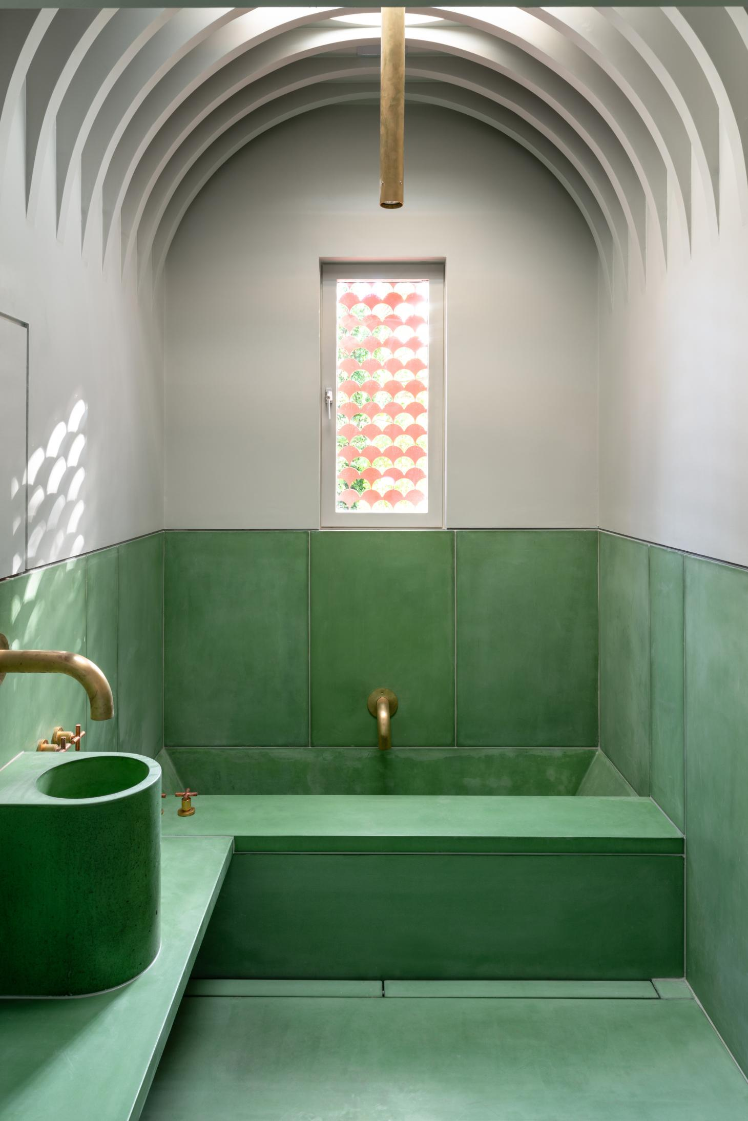 the green sculptural bathroom at House Recast in London
