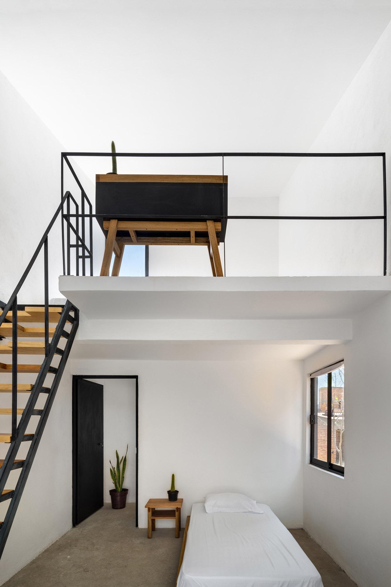 open, flexible interior at Casa productive, a low cost Mexican house