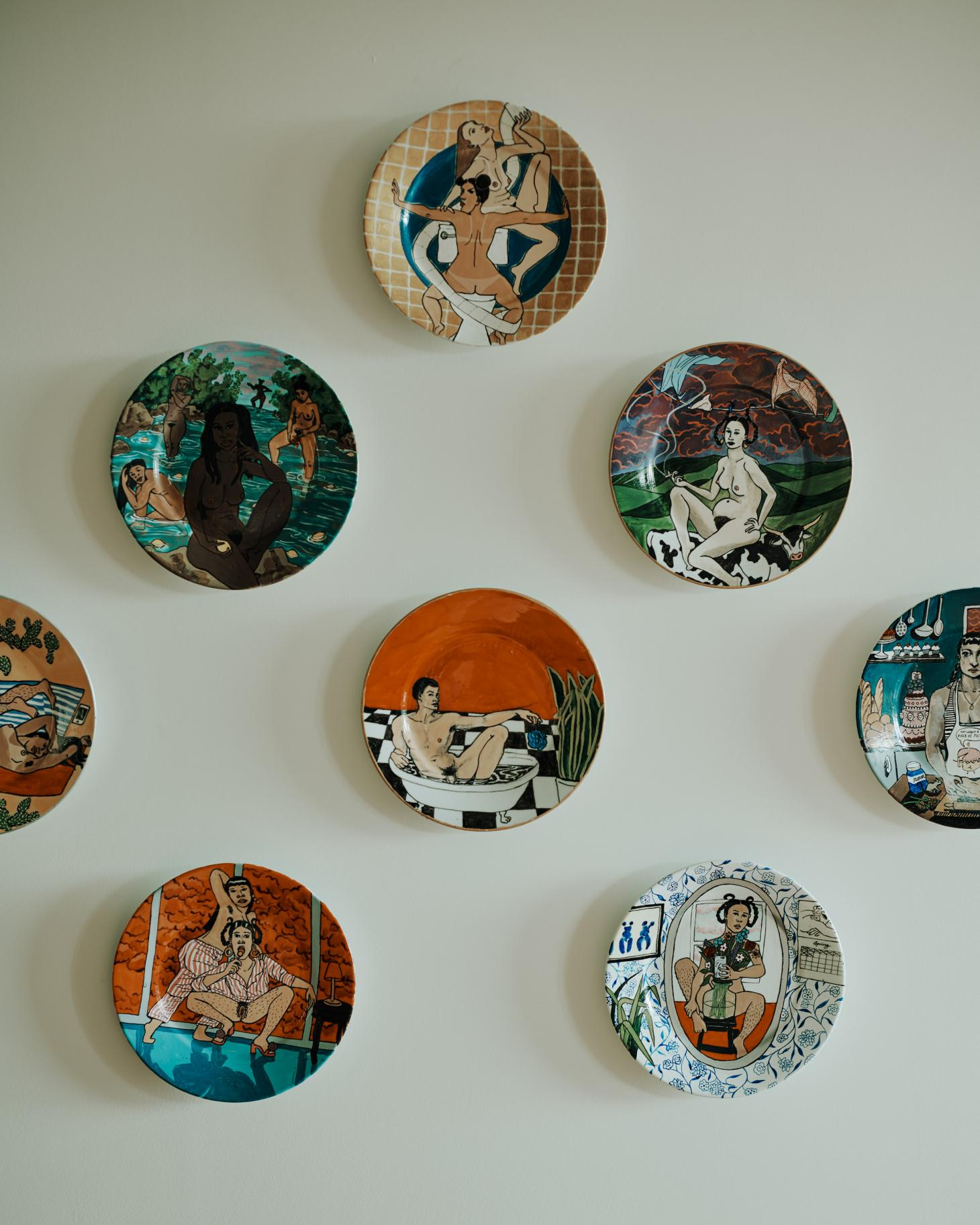eliza hopewell plates in helios 710 apartment