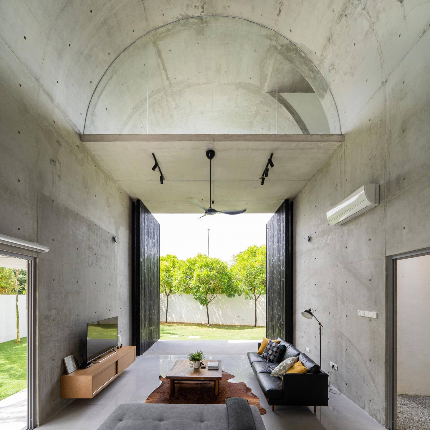 Bewboc house in Malaysia within the concrete extension looking out