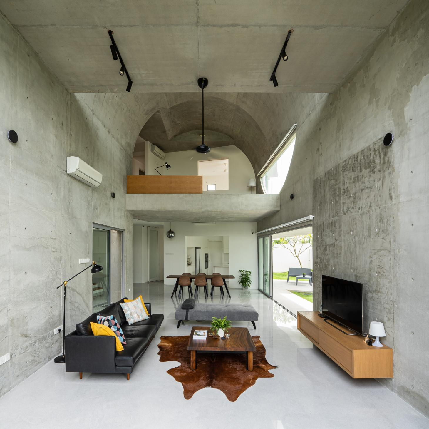 Bewboc house in Malaysia within the extension looking towards barrel vaulted roof