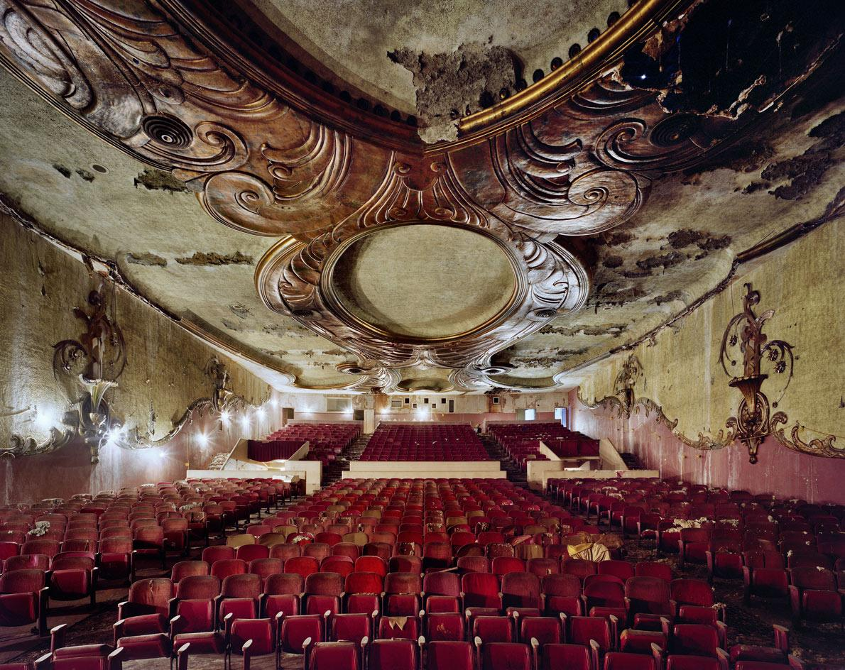 Fox Theater, Inglewood, CA.Image © Yves Marchand and Romain Meffre, from the bookMovie Theaters, published byPrestel
